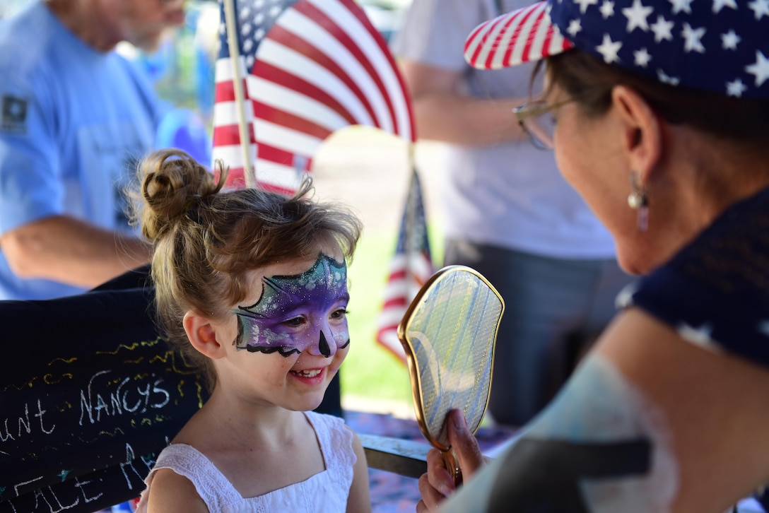 Members of Team Whiteman attend a deployment party at Ike Skelton Park at Whiteman Air Force Base, Mo., May 25, 2017, as part of the Air Force Global Strike Command Year of the Family initiative. The party celebrated Airmen who have recently returned, as well as those leaving soon with prizes, games, face painting and more. (U.S. Air Force photo by Airman Michaela R. Slanchik)