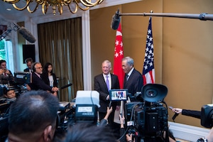 Defense Secretary Jim Mattis meets with Ng Eng Hen, Singapore's defense minister, during the16th Shangri-La Dialogue Asia security summit in Singapore, June 3, 2017. DoD photo by Air Force Staff Sgt. Jette Carr