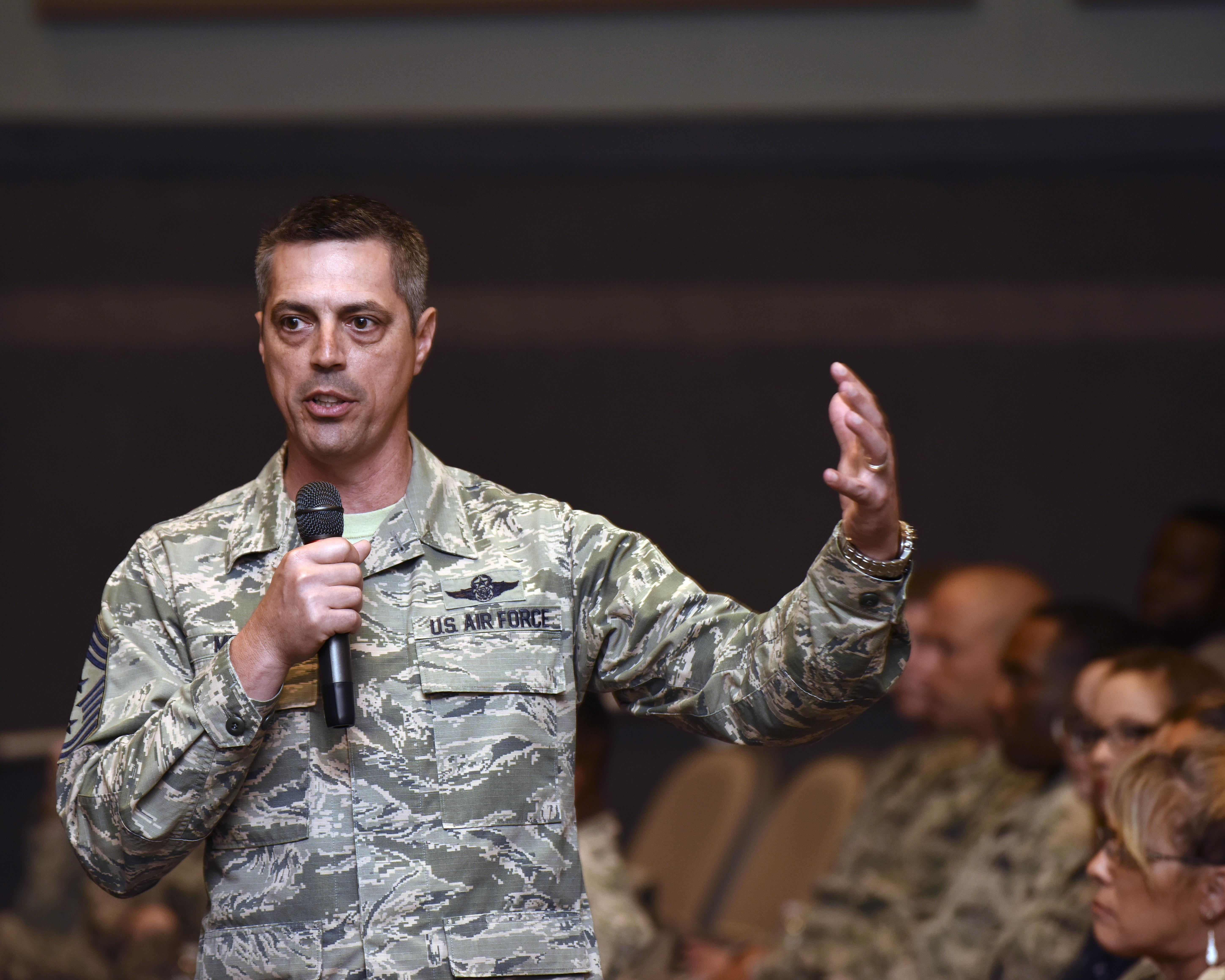 dyess afb senior personals Roundup newswires editor brian harrod provides comprehensive up-to-date news coverage, with aggregated news from sources all over the world from the roundup newswires network.
