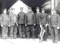 US Life Saving Service, Unidentified keeper & crew, no date, standard uniform