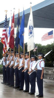 Hundreds of San Antonians gathered at the Fort Sam Houston National Cemetery May 29 to pay tribute to the men and women who gave their lives fighting for America's freedom.