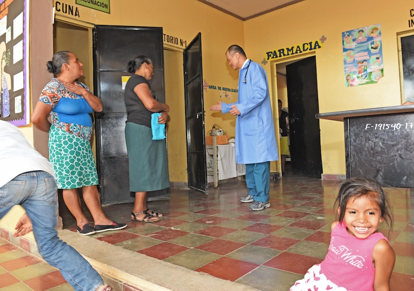 U.S. Army Lt. Col. (Dr.) Jack Leong, Joint Task Force-Bravo Medical Element, receives a patient at the Regional Health Center in the Tepanguare village located in La Paz, Honduras, May 24, 2017. The doctor participated in a monthly visit to the clinic where he provided free consultations and medications to the local population from Tepanguare and neighboring communities.