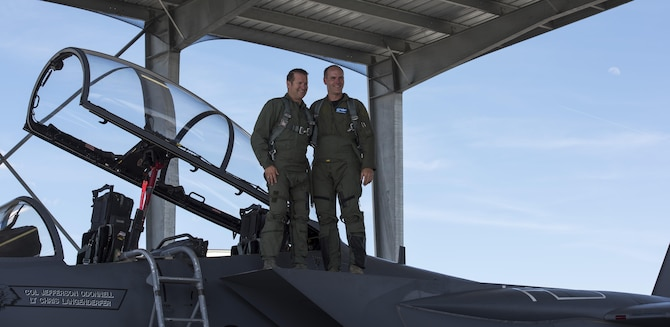 Col. Jefferson O'Donnell, 366th Fighter Wing commander, poses for a photo with Rich Sykes, Mountain Home mayor, June 2, 2017, at Mountain Home Air Force Base, Idaho. During his orientation flight Sykes reached a top speed of 1.21 Mach, which is approximately 900 miles per hour.(U.S. Air Force Photo by Senior Airman Jeremy L. Mosier)