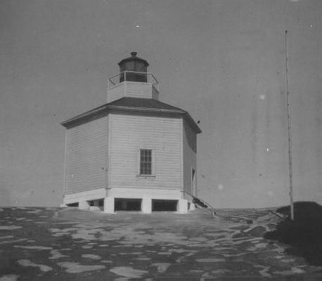 Año Nuevo Island Lighthouse, California, 1872
