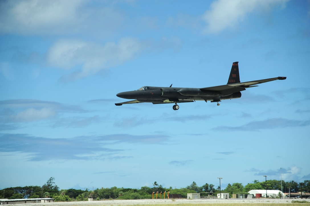 A U-2 Dragon Lady, from Beale Air Force Base, lands at Joint Base Pearl Harbor-Hickam,  Hawaii, June 13, 2017. The U-2 took a pit-stop at Hickam Field as it transitioned between Beale AFB and Asia. This type of movement enables warfighters to provide vital intelligence to senior Air Force and civilian leaders.  (U.S. Ai r Force photo by Tech. Sgt. Heather Redman)