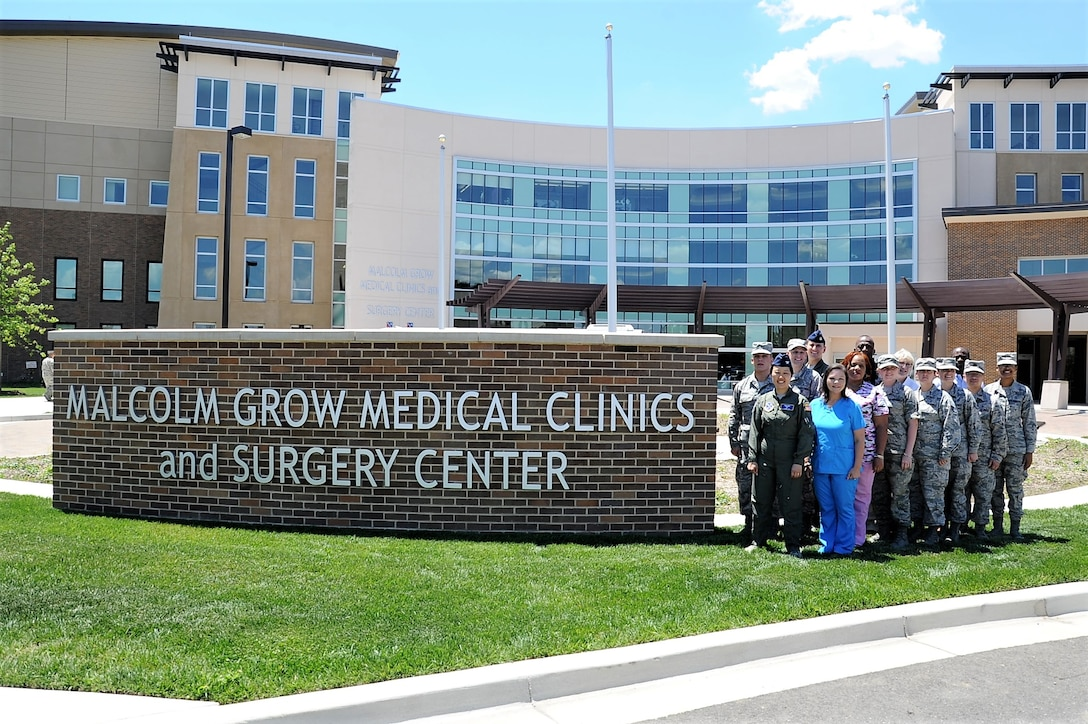 Pentagon Flight Medicine Clinic Annex staff photo, 2017.