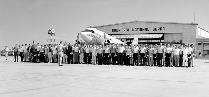 Maj. LeRoy A. Wagner, 185th Tactical Fighter Group, Sioux City, Iowa is shown swearing in 146 new Air Guardsmen at the Sioux City Air Base, on 28 August 1965. (U.S. Air National Guard photo by SSgt. Duane McCullum/Released)