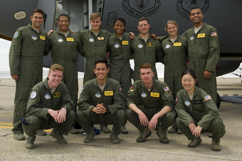 Eleven United States Air Force Academy cadets pose for a photo June 9, 2017, at Beale Air Force Base, California. The cadets were visiting the base for their Ops Air Force tour. (U.S. Air Force photo by Senior Airman Tara R. Abrahams)