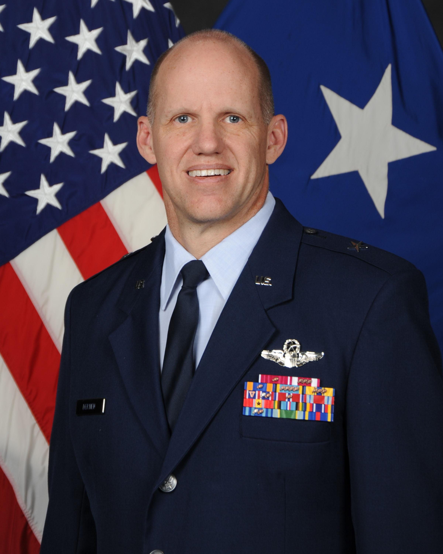 Brig. Gen. Evan Dertien, Commander