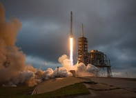 A Falcon 9 lifts off from the pad. (SpaceX photo)