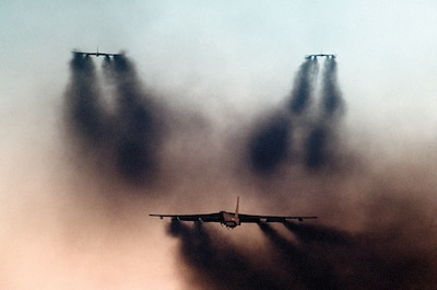 B-52G Stratofortress aircraft take off in formation as part of operational readiness inspection by Strategic Air Command Inspector General team, December 1, 1986 (DOD/Phil Schmitten)