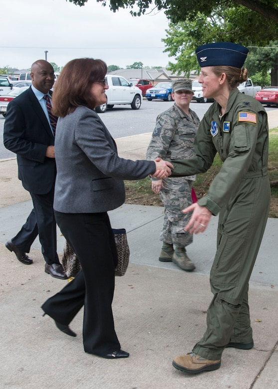 """Col. Julie Grundahl, right, 11th Wing vice commander, greets Christy Nolta, left, Air Force Staff deputy director, prior to a Civilian """"Brown Bag"""" Mentoring event at Joint Base Andrews, Md., June 16, 2017. Nolta is a member of the Air Force Senior Executive Service and supports the Assistant Vice Chief of Staff and Director of the Air Force Staff by providing advice and help on numerous aspects of Air Force policies, plans and programs. (U.S. Air Force photo by Senior Airman Jordyn Fetter)"""