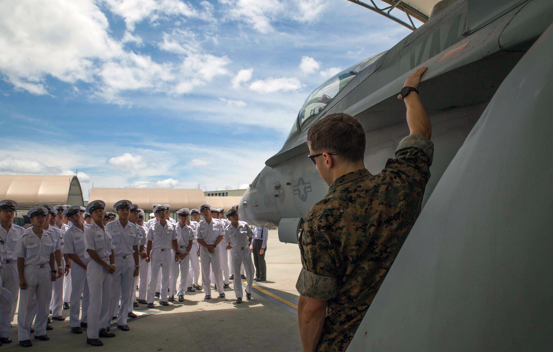J Crew Stock Chart: U.S. Pacific Command e Media e Photos,Chart