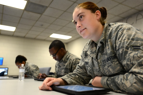 U.S. Airmen listen to their instructor during a class at the 372nd Training Squadron, Detachment 202 F-16 Field Training Detachment (FTD) at Shaw Air Force Base, S.C., April 25, 2017. The FTD teaches advanced maintenance skillsets to students from a variety of maintenance career fields, such as avionics, electrical and environmental systems, and weapons standardization. (U.S. Air Force photo by Senior Airman Kelsey Tucker)