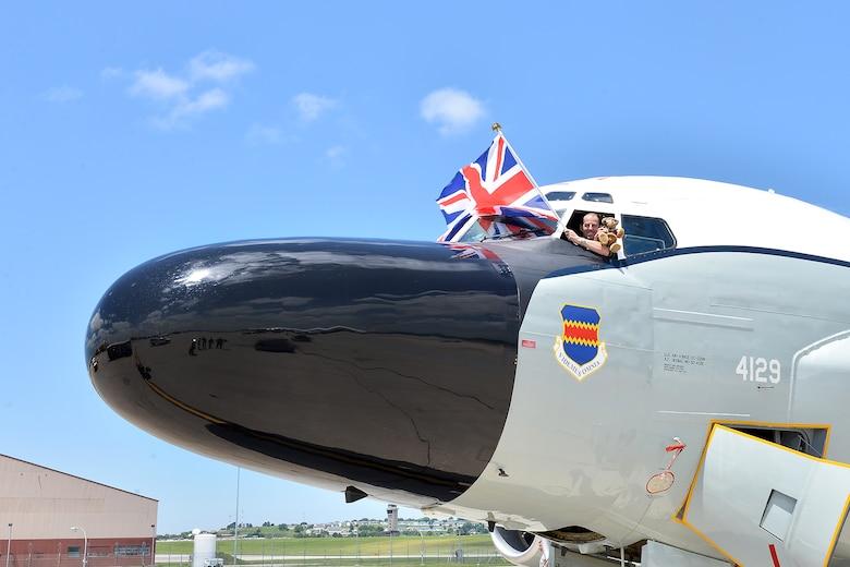 Local training flight includes special passenger > Offutt