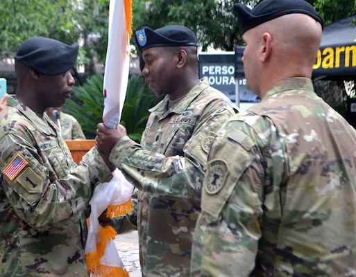 San Antonio Recruiting Battalion Soldiers Welcome New