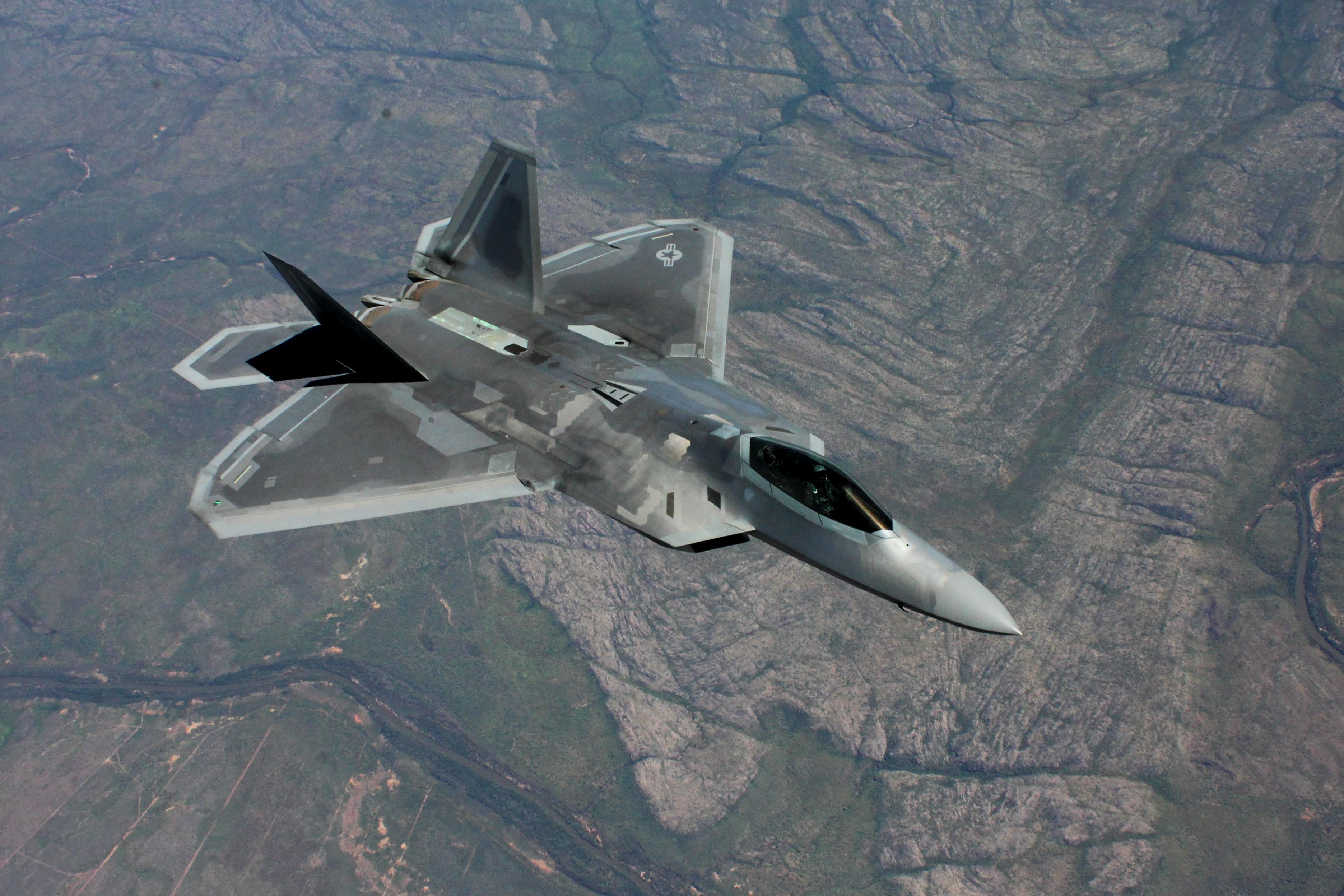 A U.S. Air Force F 22 Raptor flies above Royal Australian Air Force Base Tindal ?