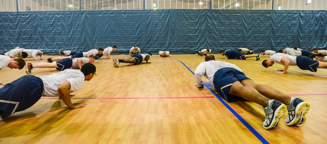 100 Pushup Challenge Chart: 1 ACOS pushes to challenge themselves e Ramstein Air Base ,Chart