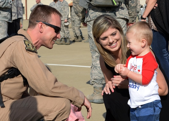 barksdale afb single parents Military family support center offers  miss usa 2017, helps students with their project during her visit to starbase louisiana on barksdale air force base,.