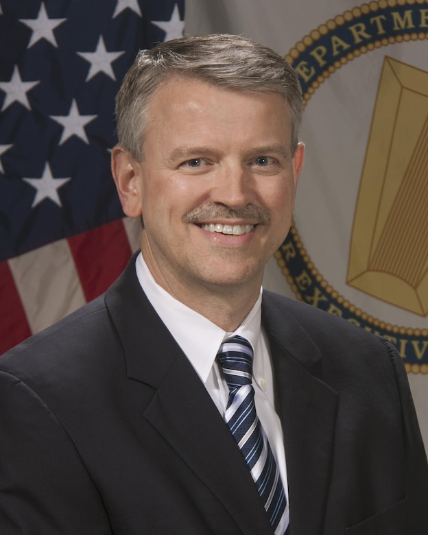 Dr. David W. Pittman became the Director of the U.S. Army Engineer Research and Development Center (ERDC), headquartered in Vicksburg, Mississippi, in March 2017. As Director, he manages one of the most diverse research organizations in the world – seven laboratories located in four states, with more than 2,100 employees, $1.2 billion in facilities, and a $1 billion annual program.