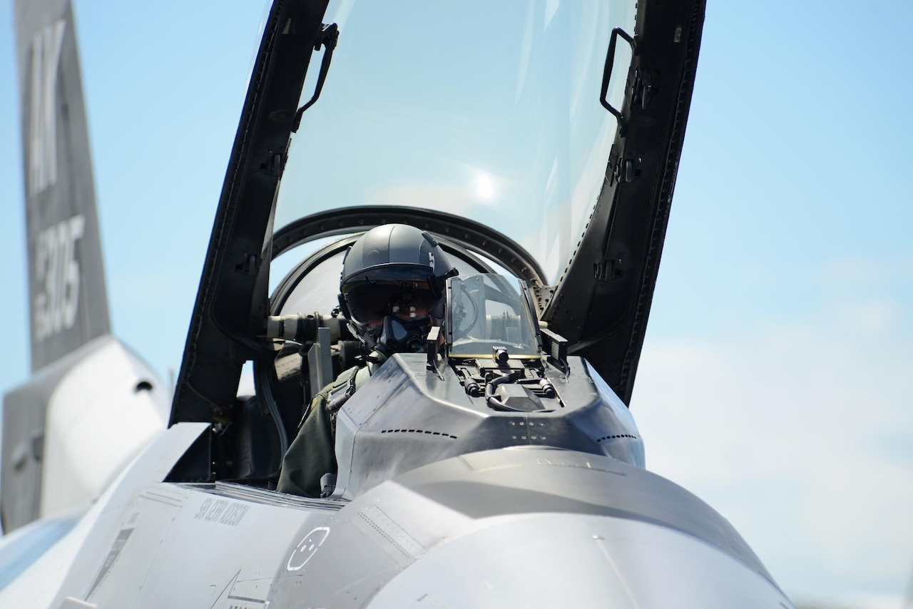 A pilot with the 18th Aggressor Squadron, based out of Eielson Air Force Base, Alaska, prepares for taxi in his F-16 Fighting Falcon at Royal Australian Air Force Base Williamtown, during Exercise Diamond Shield 2017 in New South Wales, Australia, March 21, 2017. (U.S. Air Force photo/Tech. Sgt. Steven R. Doty)
