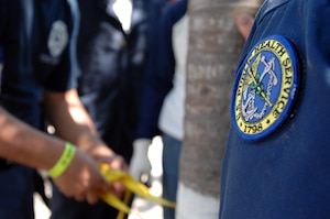 First responders from the Mexican states of Jalisco and Michoacán practice tying various knots with rope and webbing as U.S. Public Health Service Capt. John Holland assesses their progress in Puerto Vallarta, Mexico, March 21, 2017. As part of U.S. Northern Command's humanitarian assistance partnership with Mexico, Holland and another member of the PHS offered new techniques to Mexican first responders in an effort to enhance their existing knowledge of water search and rescue. (Photo by U.S. Air Force 1st Lt. Lauren Hill/Released)