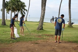 More than 20 volunteers from the Punahou Junior ROTC program (which includes cadets from other area high schools and some home-schooled students) along with Corps employees and their friends and families, cleared trash, debris on the beach area as well as other obstructions on the beach berm behind the U.S. Army Corps of Engineers Pacific Regional Visitor Center (RVC) in Waikiki as part of Earth Month 2017.