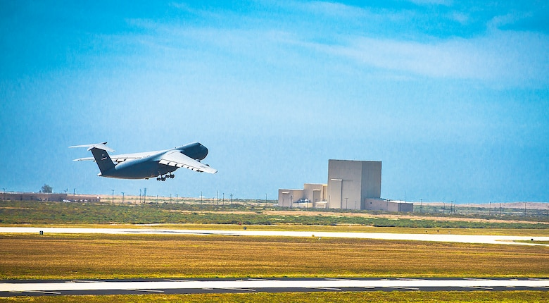 A 433rd Airlift Wing C-5M Super Galaxy aircraft takes off from Vandenberg Air Force Base, California during exercise Patriot Hook April 27, 2017. Patriot Hook is an annual joint-service exercise coordinated by the Air Force Reserve, designed to integrate the military and first responders of federal, state and local agencies by providing training to mobilize quickly and deploying in military aircraft in the event of a regional emergency or natural disaster. (U.S. Air Force photo by Benjamin Faske)