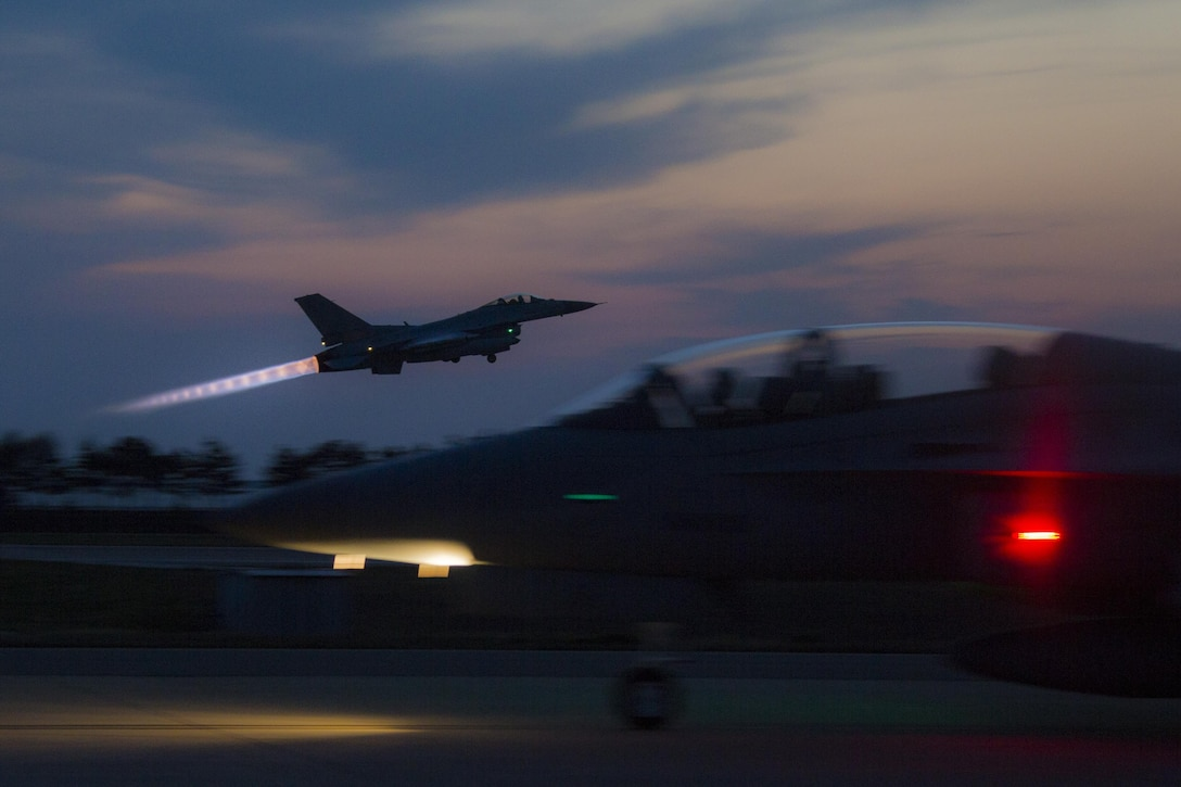 A South Korean air force F-16 Fighting Falcon aircraft takes off during Exercise Max Thunder 17 at Kunsan Air Base, South Korea, April 26, 2017. Max Thunder serves as an opportunity for U.S. and South Korean air forces to train together and sharpen tactical skills for the defense of the Asia-Pacific region. It is an annual military-flying exercise built to promote interoperability between U.S. and South Korean forces. (U.S. Marine Corps photo/Lance Cpl. Carlos Jimenez)