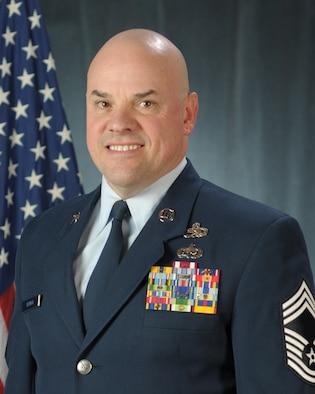 Official Portriat of Chief Master Sgt. Matthew S. Heiman