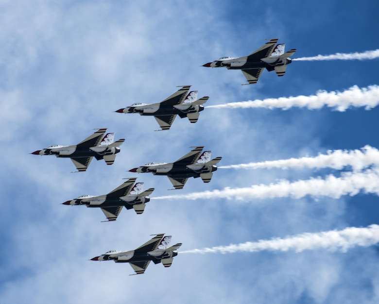 Thunderbirds Perform For MakeAWish Special Needs Families - United states air force bases