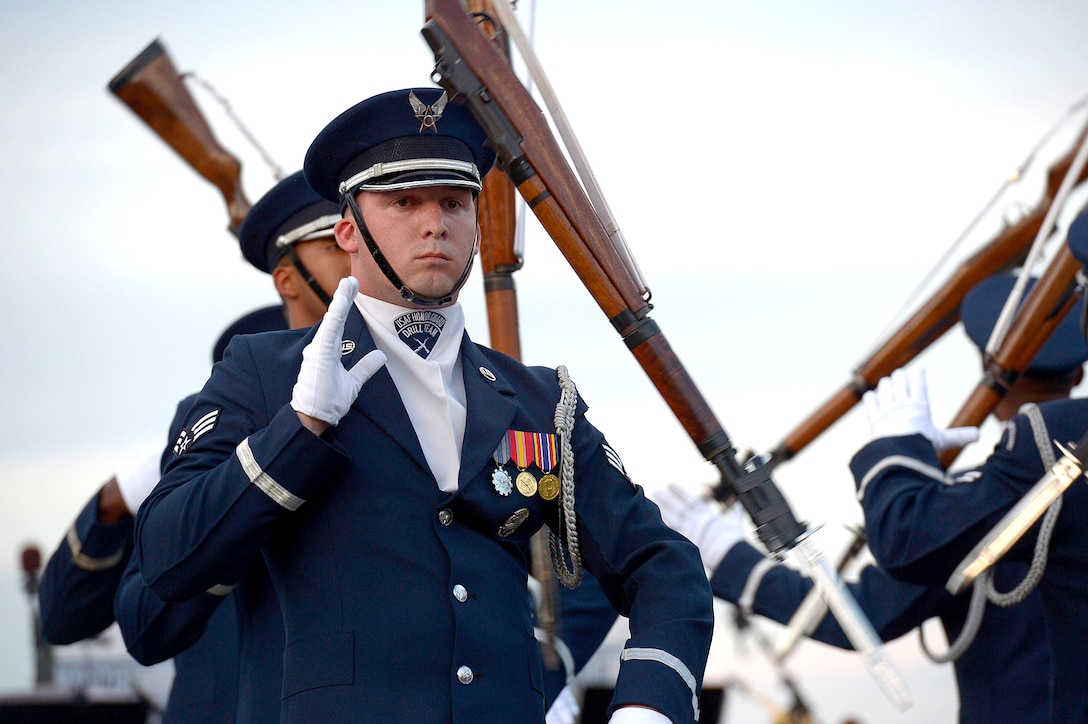 Air Force birthday celebration continues as the Air Force Honor Guard Drill Team performs at the Air Force Memorial during the Air Force Band's summer series, Heritage to Horizons, in Arlington, Va., May 17, 2017. (U.S. Air Force photo/Master Sgt. Bryan Franks)