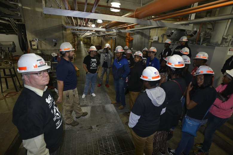 John Bell, Old Hickory power plant operator trainee, explains the operation of the turbine shaft and other major components to area high school and college students during a tour of the Old Hickory Hydropower Plant in Hendersonville, Tenn., May 4, 2017.