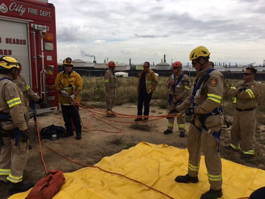 DFSP San Pedro trains with LAFD > Defense Logistics Agency > News