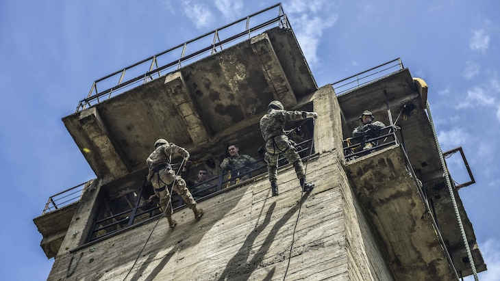 U.S. and Greek paratroopers conduct rappelling training at Camp Rentina in Greece, May 19, 2017, as part of Bayonet-Minotaur 2017. The bilateral exercise aims to enhance NATO operational standards. Army photo by Staff Sgt. Philip Steiner