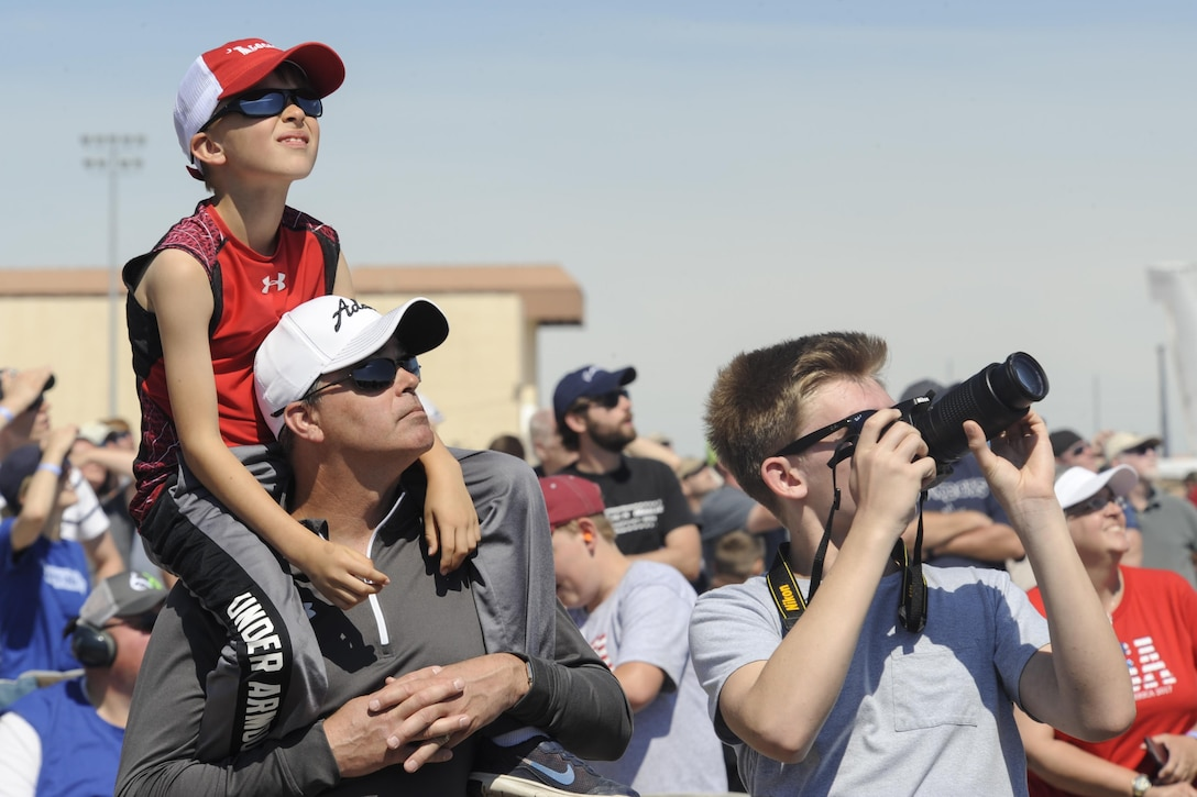 Spectators enjoy the Tinker Air Force Base Star Spangled Salute air show May 20, 2017, Tinker Air Force Base, Oklahoma. The show was attended by an estimated 100,000 people, which set an attendance record for the Tinker AFB air show. (U.S. Air Force photo/Greg L. Davis)