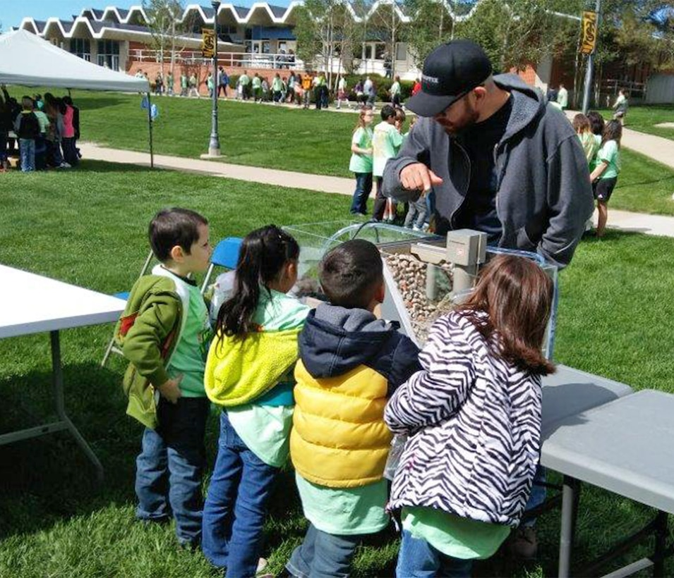 TRINIDAD, COLO. – Albuquerque District employee Jesse Gutierrez explains the functions of a dam to students attending the 6th Annual Trinidad Water Festival, May 18, 2017.