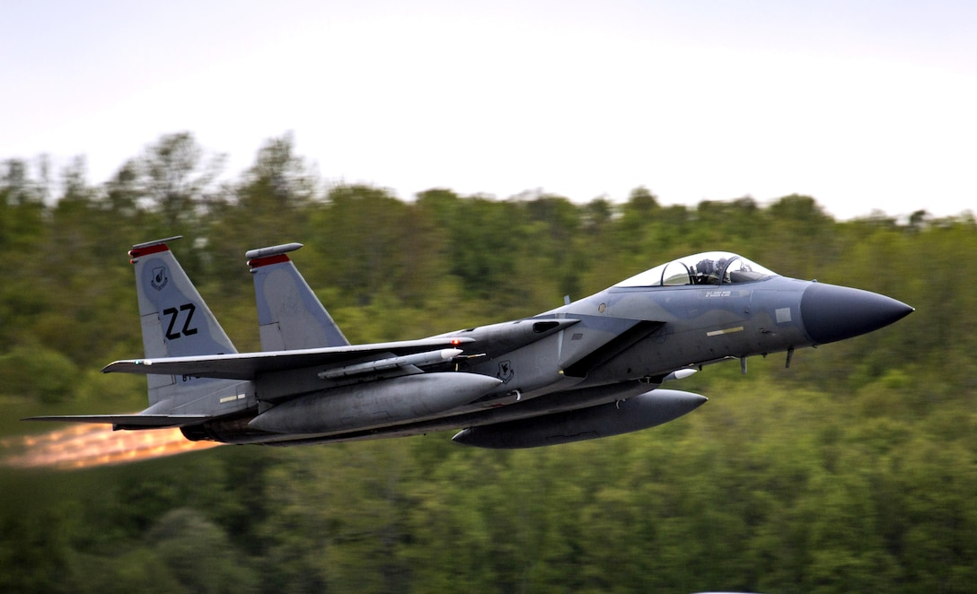 An F-15C Fighting Eagle assigned to the 67th Fighter Squadron conducts flight operations during exercise Distant Frontier on Joint Base Elmendorf-Richardson, Alaska, May 18, 2017. Distant Frontier is a unit-level training iteration designed to sharpen participants' tactical combat skills and develop interoperable plans and programs across the joint force. (U.S. Marine Corps Photo/1st Lt. Melissa M Heisterberg)