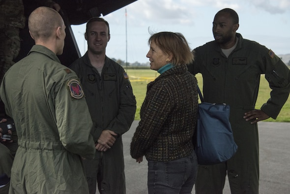 Ms. Candy Green, U.S. Embassy New Zealand's Chargé d'Affaires, meets with 1st Special Operation Squadron aircrew during a visit, April 20, 2017 at Royal New Zealand Air Force Base Woodbourne, New Zealand. The U.S. Embassy Chargé d'Affaires came down during Exercise Teak Net to observe first-hand the training being conducted with RNZAF partners. (U.S. Air Force photo by Capt. Jessica Tait)