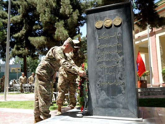 KABUL, Afghanistan (May 29, 2017) — At a ceremony at Resolute Support Headquarters today, General John Nicholson, commander, Resolute Support, pays his respects to service members who made the ultimate sacrifice in Afghanistan. (Photo by Technical Sergeant Robert M. Trujillo)