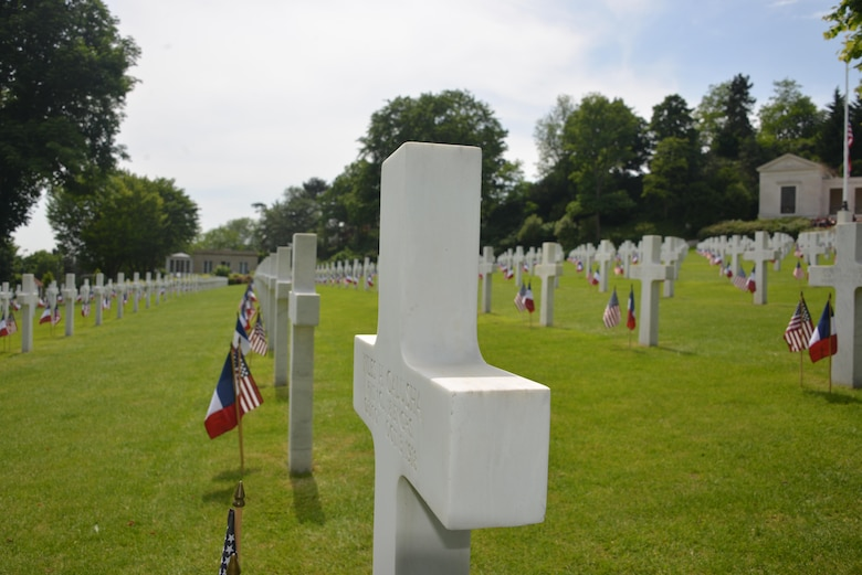 French and Americans gathered to honor the sacrifices of Americans who died in World War I and World War II during a Memorial Day ceremony at Suresnes American Cemetery, Suresnes, France, May 28, 2017. The Suresnes American Cemetery shelters 1,541 Americans who died in World War I, as well as 24 unknown Americans who died in World War II.This Memorial Day is especially significant because 2017 marks the centennial of United States' entry into the First World War. (U.S. Air Force photo by Capt. Ben Sowers/Released)