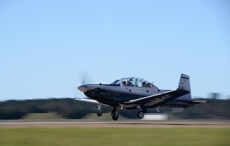 A T-6A Texan II prepares to land during the turkey shoot event Oct. 26, 2017, on Columbus Air Force Base, Mississippi. Competitors performed tasks during their flight and had their landings evaluated to test their aviation abilities in the T-6, the T-1A Jayhawk and the T-38 Talon. (U.S. Air Force photo by Airman 1st Class Keith Holcomb)