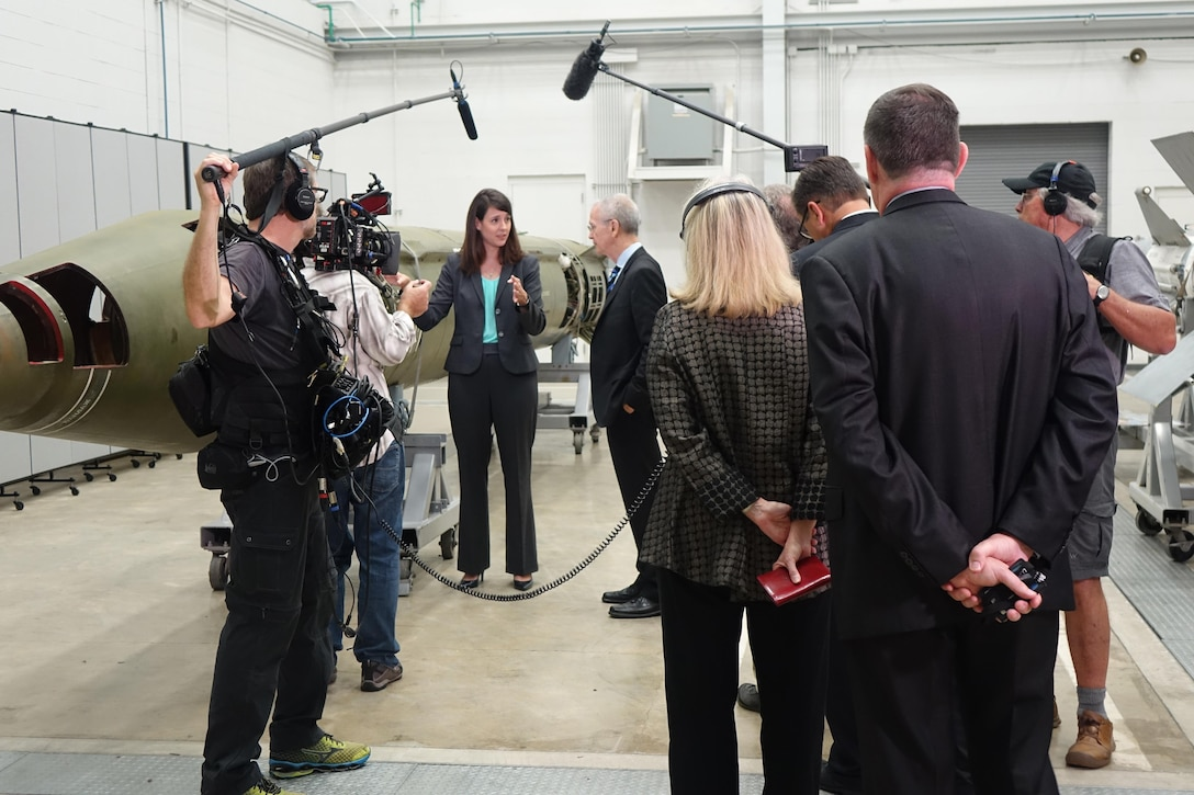 """Missile and Space Intelligence Center senior intelligence analyst Marie Cox discussed SCUD-B ballistic missile guidance and control with CBS News """"60 Minutes"""" correspondent David Martin. Photo courtesy of MSIC"""
