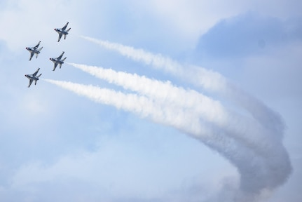 """The U.S. Aerial Demonstration Squadron """"Thunderbirds"""" perform at the Joint Base San Antonio Air Show and Open House Nov. 4, 2017, at JBSA-Lackland, Kelly Field. Air Shows allow the Air Force to display the capapbilities of our aircraft to the American Public through aerial demonstration and static displays."""