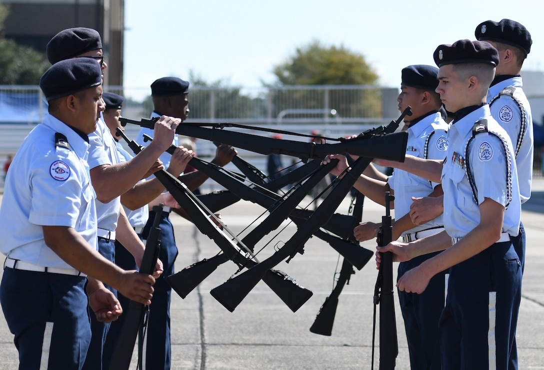 Biloxi High School Air Force Junior ROTC  compete in the armed exhibition drill during the Fourth Annual Mississippi All-Services Junior ROTC Drill Competition Nov. 4, 2017, on Keesler Air Force Base, Mississippi. More than 400 Junior ROTC cadets, spectators and volunteers were in attendance where cadets battled for the best all-services Junior ROTC team in Mississippi. Thirteen Junior ROTC teams from all military branches were represented at the event with the Pearl High School Navy Junior ROTC earning the top honors. (U.S. Air Force photo by Kemberly Groue)