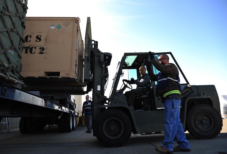 9th Support Division personnel load supplies on a truck during Global Thunder 18,