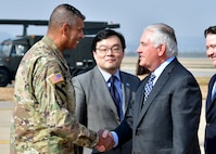 SecState meets with USFK commander