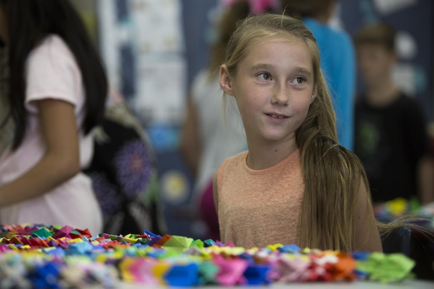 Kinser Elementary School gives 1,000 Cranes of Hope to Antilles Elementary School