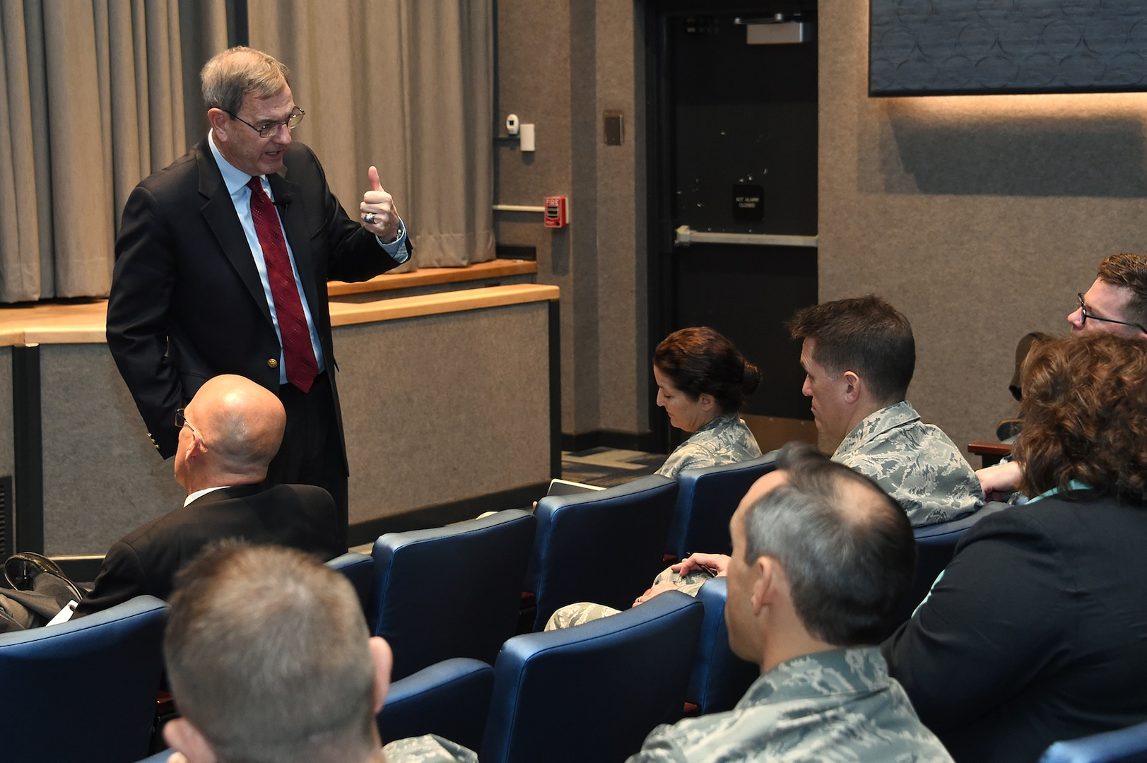 Retired U.S. Air Force Gen. Stephen Lorenz shares his perspective on leadership with members of U.S. Strategic Command during his visit to Offutt Air Force Base, Neb., Nov. 6, 2017. Lorenz, who retired as commander of Air Education and Training Command, discussed the traits and practices of effective leaders based on his experience as a military officer and commander.