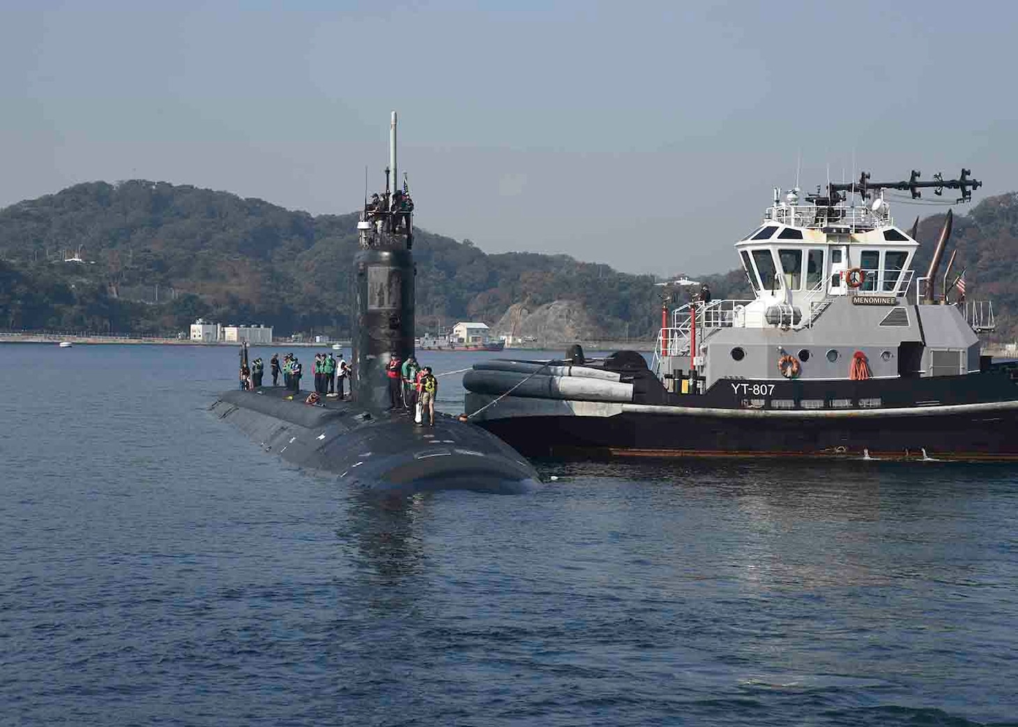 USS Mississippi (SSN 782) prepares to moor at Fleet Activities Yokosuka. Mississippi is visiting Yokosuka for a port visit.   (U.S. Navy photo by Mass Communication Specialist 2nd Class Brian G. Reynolds/Released)